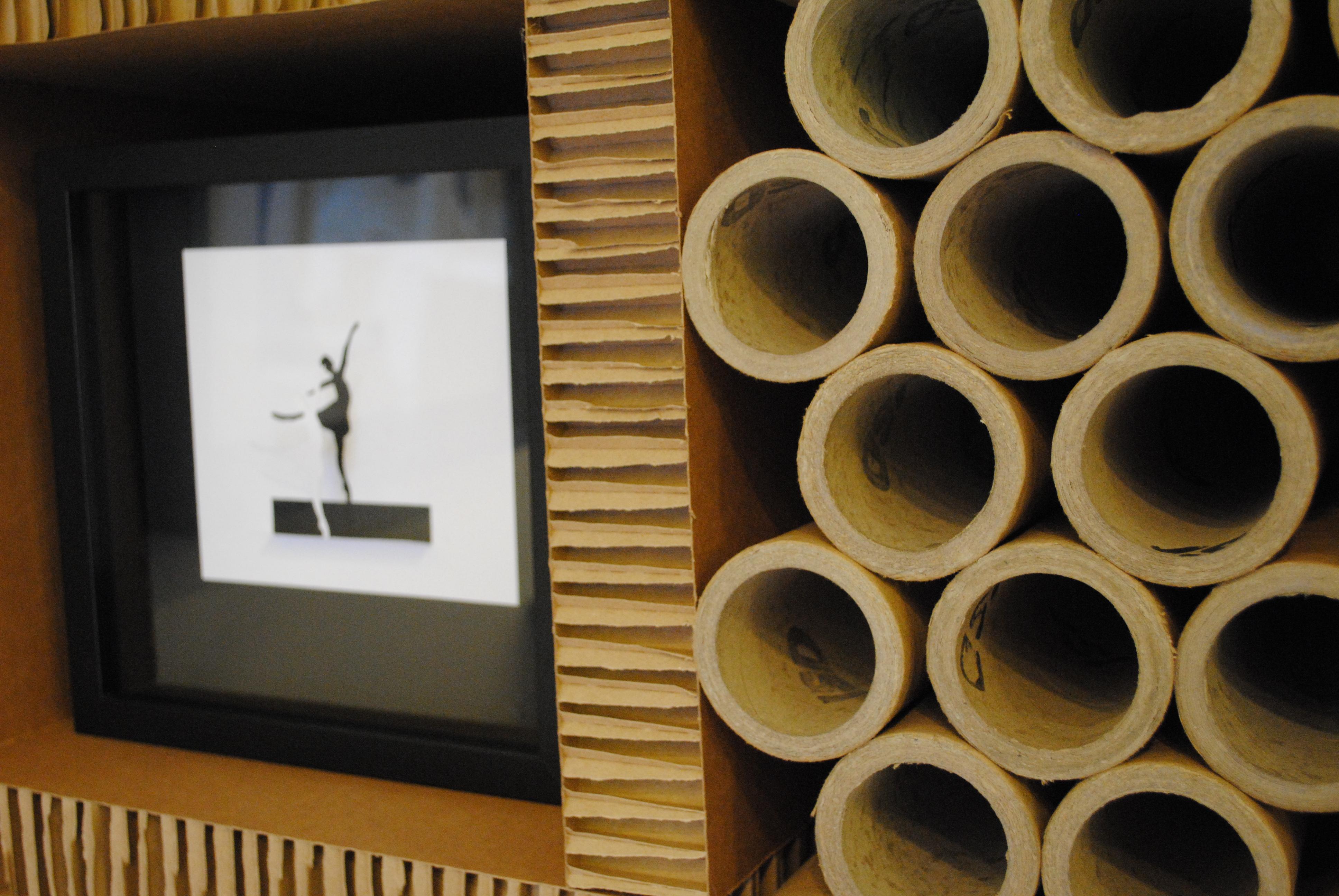 Mueble de tubos de cartón