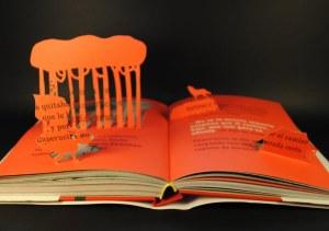 libros recortados caperucita 3