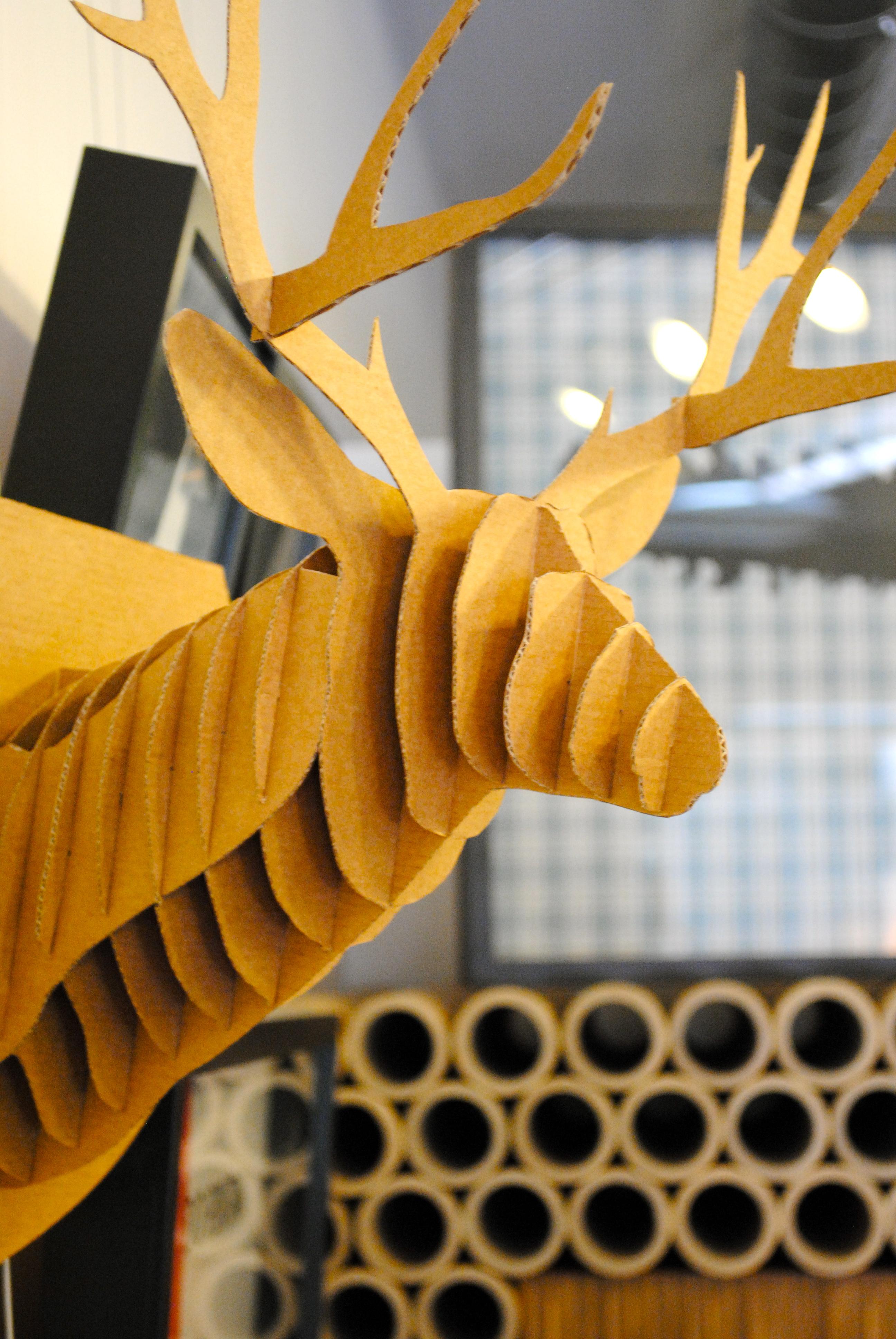 Cabeza de ciervo en cart n ii la cartoneria for Cabeza de ciervo