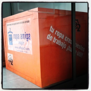 contenedor para recogida de ropa